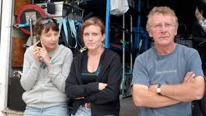Delphine DESBRUERES, Florent BAZIN, Julie - 50