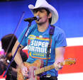 "Carrie Underwood Reteams with Brad Paisley for ""Remind Me"" on Cambio"