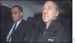 Pete Townshend é preso por acessar pornografia infantil | BBC ...