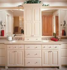 Enamel Kitchen Cabinets by Frameless Kitchen Cabinets With Portsmouth Door Style In Knotty