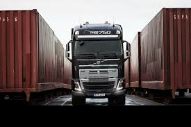volvo freight trucks volvo reveals the abilities of its new truck by pulling a 750 ton