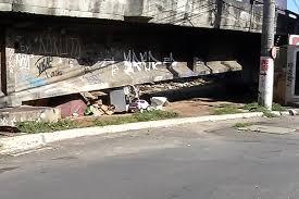 Morador de rua é agredido com pauladas na Praia da Costa em Vila ...