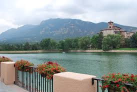 broadmoor colorado springs lovelivingincolorado