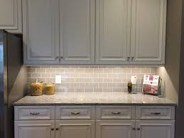 Pictures Of Kitchen Tile Backsplash Best 25 Glass Subway Tile Backsplash Ideas On Pinterest Glass