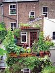 Small-Space Gardening - Organic Gardening - MOTHER EARTH NEWS