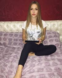 Kunena  meet guys from australia to indonesia flight found       Try a Free Basic Membership  Sign Up With Our Best   Dating Sites Today  BeautifulPeople has been described as an  quot elite online club  where every member