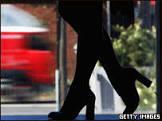 Justiça analisa caso de prostituta brasileira violentada em Milão