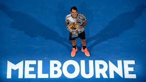 Federer beats Nadal in Australian Open final to win   th major     CBC Switzerland     s Roger Federer holds his trophy after defeating Spain     s Rafael Nadal during the men     s singles final