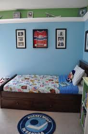 plane themed bedroom