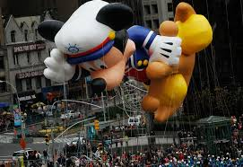 thanksgiving parade balloons macy u0027s thanksgiving day parade cvs flags