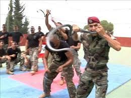بالصور تدريب عسكري قاسي جدا Images?q=tbn:ANd9GcRgMGAtho40a_UP69F3oualT94NVz8Xm42cW_y-ha9VCoOnMpFj