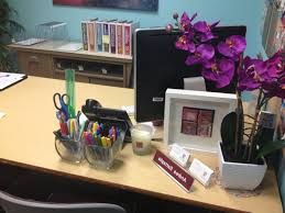 Decorating Ideas For Home Office by Office Desk Decorations Ideas Ideas To Decorate Your Office Desk