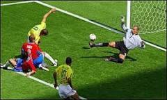 Fifa concede gol polêmico a Ronaldo | BBC Brasil | BBC World ...