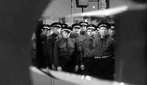 Le Trou de Jacques Becker (1960) Images?q=tbn:ANd9GcRiynJvui89QD0-W00g71ppcGozyIxUdGDcusbDC30PqodiHaePokOoXETh8w