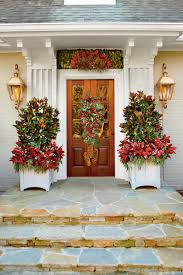 Homes With Christmas Decorations by 100 Fresh Christmas Decorating Ideas Southern Living