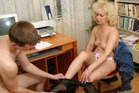 mutter nackt|Mutter und Tochter Nackt - Zeige deine Sex Bilder