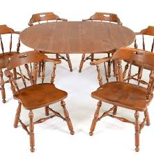 early american style maple dining table and six chairs ebth early american style maple dining table and six chairs