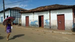 BBC Brasil - Notícias - Cidade goiana de 1741 volta a explorar ouro ...