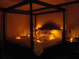 Mood Lighting Bedroom by Set The Mood With Rose Petals For Romance Your Spouse Trends And