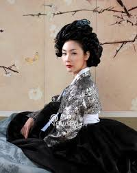 korean haristyle and hanbok Images?q=tbn:ANd9GcRqUnTvSTuWE8NyIKWlrWRo1-Xzv1bIwNMSy_WRe_0m2MyxM0gw