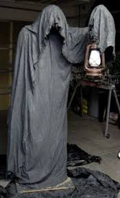 how to look scary for halloween 33 best scary halloween decorations ideas u0026 pictures