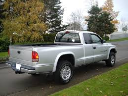 click on image to download dodge dakota 2001 repair service manual