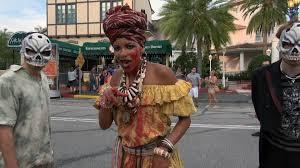 costumes halloween horror nights voodoo queen bayou of blood scare zone halloween horror nights