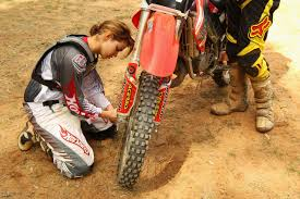 how to ride motocross bike how to ride a motorcycle in the dirt