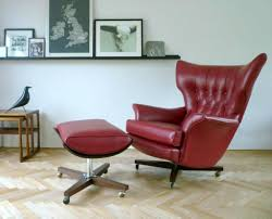 Leather Chairs Living Room by Red Leather Swivel Chairs With Ottoman For Vintage Living Room