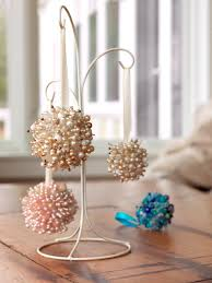 how to make flower shaped christmas ornaments diy