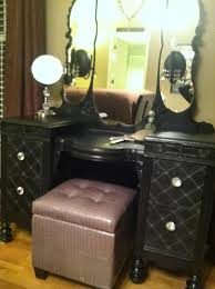 Vanity Bedroom Makeup Diy Vintage Makeup Vanity Like The Look Of This Vanity Especially