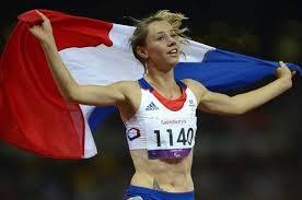 PARIS - Le Président François Hollande a adressé lundi ses félicitations à Amélie Le Fur, qui a remporté le 100 m de sa catégorie (T44), dimanche aux jeux ... - 394090_marie-amelie-le-fur-a-l-issue-du-100m-lors-des-jeux-paralympiques-le-2-septembre-2012-a-londres