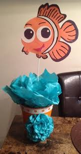 Finding Nemo Centerpieces by How To Host Diy A Finding Nemo Party Disneyside Birthdays And