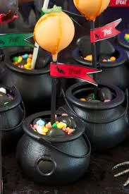 halloween cauldron cake pops stand tutorial u2014 chic party ideas