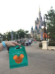 mickeys not so scary halloween party 2017 trick or treating at walt disney world u0027s mickey u0027s not so scary