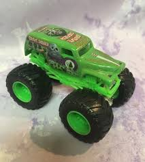 monster truck show tucson wheels monster jam truck green grave digger 4 time champion