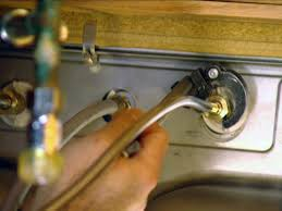 Bathroom Faucet Installation by How To Install A Single Handle Kitchen Faucet How Tos Diy