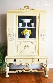 Chalk Paint Furniture Ideas by Best 20 Yellow Painted Furniture Ideas On Pinterest Yellow