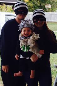 Funny Family Halloween Costumes by Best 25 Robber Costume Ideas On Pinterest Bank Robber Costume