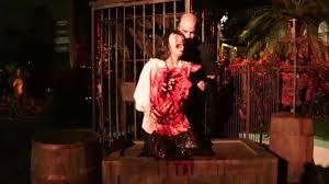 howl o scream vs halloween horror nights howl o scream 2016 scare zones and park video youtube