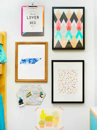 How To Make A Gallery Wall by How To Make A Gallery Wall For Less Than 50 Hgtv Crafternoon Hgtv