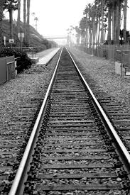 the railroad tracks at san clemente pier so california