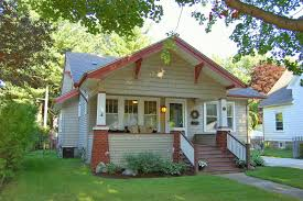 i love the style of craftsman homes the large welcoming front