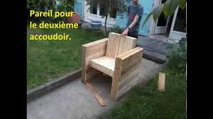 terasse en palette facile fabriquer votre fauteuil de jardin intérieur en bois de
