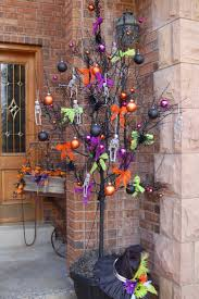 halloween decorated best 25 halloween tree decorations ideas on pinterest halloween