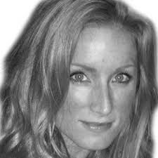 Laura Fink - headshot