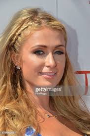 Paris Hilton HD New frame images,gallery and archives,resim download wallpaper