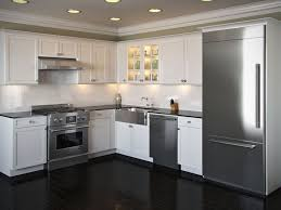 Small White Kitchen Design Ideas by Best 25 L Shaped Kitchen Ideas On Pinterest L Shaped Kitchen