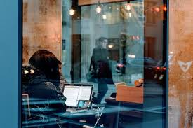 WritersWeekly com   Paying Markets for Writers  Freelancing Job Listings   and Whispers and Warnings About the Writing and Publishing Industries  dravit si