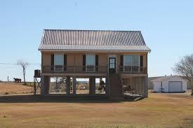 raised vermillion house on stilts cretinhomes com the vermillion